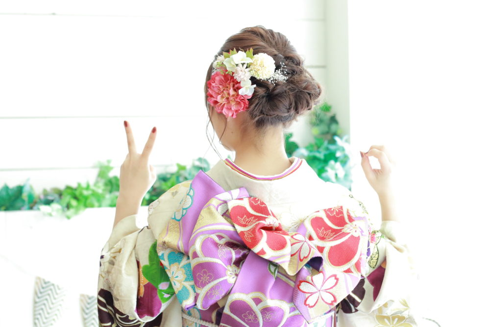 成人式スタジオプラン~振袖も男性袴もご用意しております。八木橋店