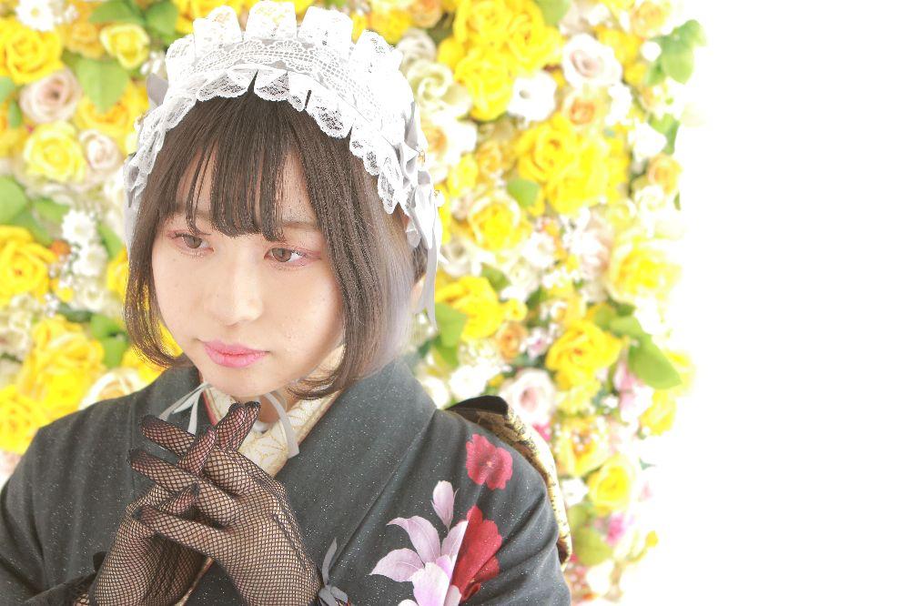 フォトスタジオkomachi深谷店にて撮影の成人前撮り写真ヘッドドレスのお嬢様